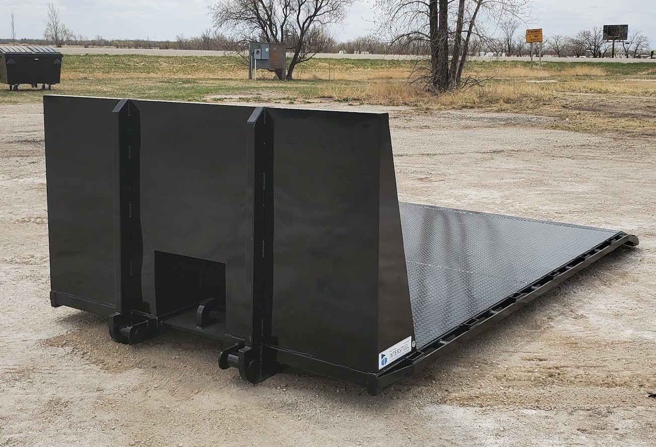 Flat Bed Cable Pull Dog House with Beaver Tail